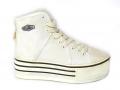 XC5 White